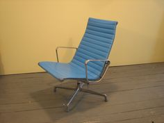 herman miller office chair (2). A possibility for reupholstering; the price is only $399.