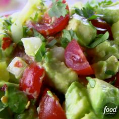 Trisha Yearwood's Avocado Salsa is ready in just 15 minutes! Trisha Yearwood's Avocado Salsa is ready in just 15 minutes! Raw Food Recipes, Food Network Recipes, Mexican Food Recipes, Cooking Recipes, Healthy Recipes, Appetizers For A Crowd, Seafood Appetizers, Appetizer Recipes, Avocado Salat