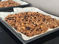 Glutenfri granola | Glutenfria godsaker Gluten Free Recipes, Dog Food Recipes, Healthy Recipes, Healthy Food, Lchf, Cereal, Candy, Snacks, Chocolate