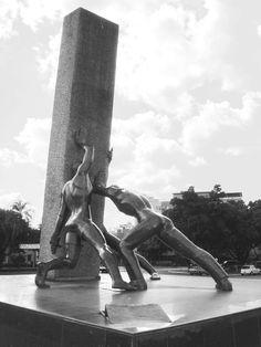 Monumento às Três Raças - Goiãnia - Goiás | Flickr - Photo Sharing!