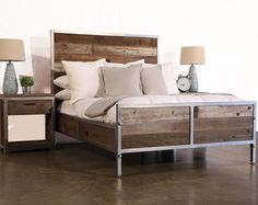 Reclaimed Wood Industrial Bed por foundpurpose en Etsy