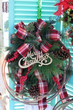 Rustic rope Christmas wreath with plaid bow and Merry Christmas sign / western home decor / country Christmas wreath / lasso / cowboy /rodeo wreath / lariat rope wreath