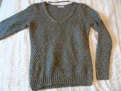 Pull Kaki - vinted.fr Pull Kaki, Pulls, Pullover, Sweaters, Fashion, Womens Fashion, Moda, La Mode, Sweater