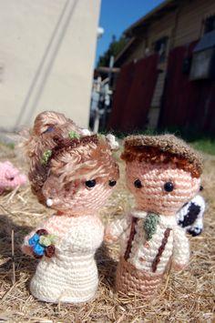 Goldiges gehäkeltes Brautpaar Püppchen