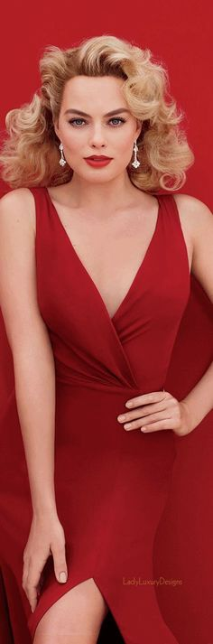 Margot Robbie the good blonde in red dress and red lips. Margo Robbie, Margot Elise Robbie, Actress Margot Robbie, Margot Robbie Harley Quinn, Margaret Robbie, Beautiful Celebrities, Beautiful People, Beautiful Women, Tarzan