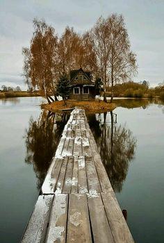 cottage on lake.....peaceful
