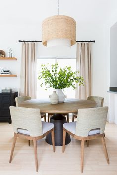 Home Interior Salas .Home Interior Salas Dining Table Design, Dining Chairs, Ikea Dining Room, Dining Room Curtains, Linen Curtains, Round Dining Table, Esstisch Design, Casual Dining Rooms, Best Decor