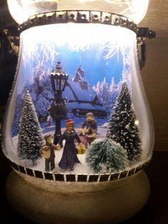 Kerst tafereel in een vaas