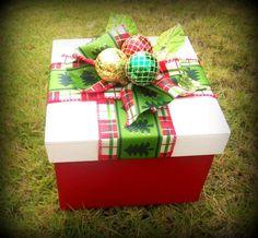 Caja de madera, decoración navideña