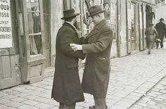 """Men speaking on the street, Bratislava`s Jewish quarter"" Photo: Roman Vishniac - Czechoslovakia - Bratislava, late Russian American, Central And Eastern Europe, Bratislava, Roman, History, World, Amazing, 1930s, Photographs"