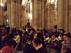 @RCTVenlinea Misa y recital por Venezuela en la cripta de la Sagrada Familia de Barcelona, hora Vzla 4:08pm pic.twitter.com/CpDxSMoep6