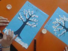 Χειμώνας… – ΠΑΙΔΙΚΑ ΤΑΞΙΔΙΑ… Art For Kids, Crafts For Kids, Arts And Crafts, Binocular Craft, Kindergarten, Winter Art, Preschool Crafts, Art Lessons, December
