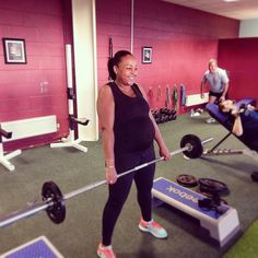 This is the epitome of strength!   Olga showing mothers everywhere what you can do   #dvcc #miltonkeynes #teamtraining #stalbans #northampton #hitchin #bedford #semipt #pregancy #mother #health #fitness