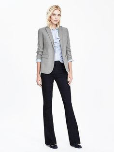 BR - black or navy pants, light blue shirt, grey blazer... classic look for fall or winter.