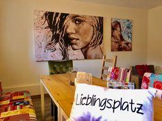 Bilder beleben Räume. Hier sieht du Kunstwerke von Wolfgang Abfalter bei uns am Vierkanthof.