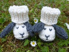 BABY KNITTING PATTERN in pdf - Little Sheep Booties for Babies