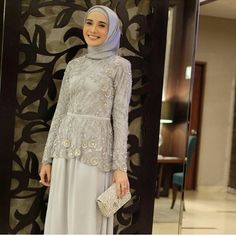 Source ; inspirasi kebaya Kebaya Lace, Kebaya Hijab, Kebaya Dress, Dress Brokat Muslim, Kebaya Muslim, Muslim Dress, Hijab Styles For Party, Abaya Fashion, Fashion Dresses