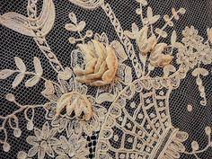 刺繍レース・ウエディングショール - イギリスとフランスのアンティーク   バラと天使のアンティーク   Eglantyne(エグランティーヌ)
