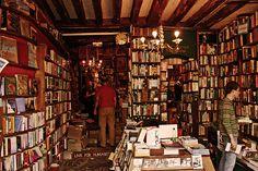 Shakespeare and Co: Bookshop Heaven