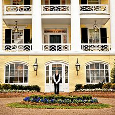 The South's Best Bed & Breakfasts: Forget doilies, chintz, and potpourri. These next generation B&Bs give the bed-and-breakfast routine a welcome upgrade. Southern Living, Southern Style, Southern Charm, Dream Vacations, Vacation Spots, Oh The Places You'll Go, Places To Travel, Best Bed And Breakfast, Virginia Is For Lovers