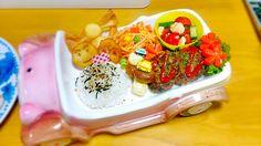 K mama's dish photo お子様ランチイメージ 長男のお誕生日プレートご飯 息子  お誕生日  ご飯 | http://snapdish.co #SnapDish #再現料理 #お誕生日