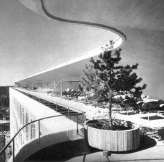 The roof terrace of the Paimio Sanatorium by Alvar Aalto, 1929-33. Copyright Granger Historical Picture Archive / Alamy Stock Photo