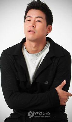Lee Sang Yoon Lee Sang Yoon, Lee Sung, Asian Actors, Korean Actors, Christian Husband, Choi Jin Hyuk, Jung Il Woo, Kim Tae Hee, Yoo Seung Ho