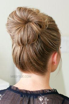 Upside Down Franz    sisch Braid High Bun   Frisuren Blog   Pinterest     Upside Down Franz    sisch Braid High Bun   Frisuren Blog   Pinterest   High  bun  French braid and Bun braid