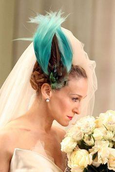 sjp Carrie Bradshaw wedding outfit, beautiful fascinator.
