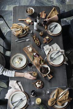 Trendy kuchyň 2020: Digestoř pod sporákem a návrat stěn Pesto, Bella Rose, Wood Bowls, Acacia Wood, Tapas, Goodies, Table Settings, Trendy, Wooden Bowls