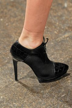 Donna Karan | Fall 2012 Ready-to-Wear Collection | Style.com