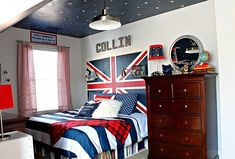 Union Jack & Star Wars teen boy bedroom with sky ceiling