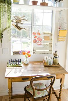 sweet little space...painting nook by bonniechristine, via Flickr