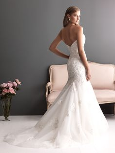 Allure Bridals : Romance Collection : Style 2613 : Available colours : White/Silver, Ivory/Silver (back)