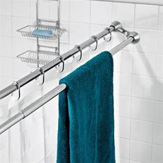 duo shower rod - Awesome use of space in a tiny bathroom! Or any bathroom, towels always seem to end up on the shower curtain rod Mini Loft, Shower Curtain Rods, Shower Rods, Shower Curtains, Small Bathroom Storage, Small Bathrooms, Small Kitchens, Bathroom Renos, Master Bathroom