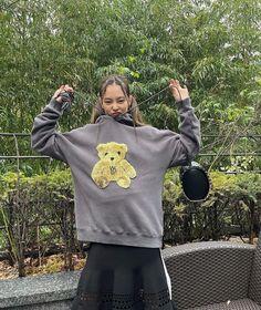 Kim Jennie, Black Pink Jennie Kim, South Korean Girls, Korean Girl Groups, Blackpink Photos, Blackpink Fashion, Lady Gaga, K Pop, Foto E Video