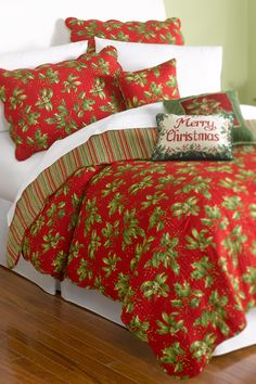 C Mistletoe & Holly Quilt Set #belk #bedding #holidays