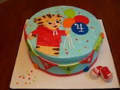 Daniel Tiger Birthday Cake Ideas cakepins.com