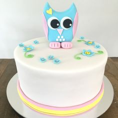 Cute little owl. Little Owl, Birthday Cake, Cakes, Desserts, Food, Tailgate Desserts, Deserts, Cake Makers, Birthday Cakes