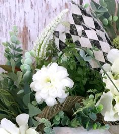 Mediterranean Home Interior A beautiful Spring wreath is a the perfect thing to put on my front door to brighten it up. Front Door Decor, Wreaths For Front Door, Entryway Decor, Entryway Console, Console Table, Hallway Decorating, Porch Decorating, Decorating Ideas, French Home Decor
