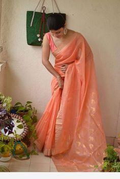 Ethnic indian dress Ethnic indian dress The post Ethnic indian dress appeared first on ThealiceOnline. Cotton Saree Designs, Sari Blouse Designs, Saree Blouse Patterns, Indian Fashion Dresses, Dress Indian Style, Indian Designer Outfits, Fashion Outfits, Trendy Sarees, Stylish Sarees