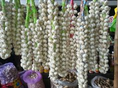 Garlic for sale at Villasis Bagsakan Center
