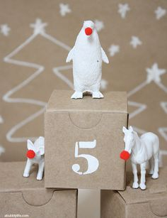 DIY Advent Calendar and Rudolph The Red Nose Penguin + Friends christmas Christmas Countdown, Noel Christmas, Diy Christmas Ornaments, Diy Christmas Gifts, Christmas Decorations, Christmas Tables, Nordic Christmas, Modern Christmas, Christmas Stockings
