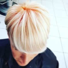 Love love love this by Dody Grey Hair Don't Care, Latest Hair Color, Colour Trends, Hair And Beauty Salon, Coloured Hair, Short Hairstyle, Hair Transformation, Hair Colour, Color Inspiration