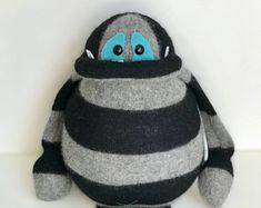 Große selbstgefällig Monster eines eine Art Plüsch Formen Spielzeug-Plüsch-Pullover-monster