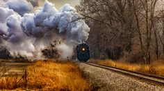Скачать обои паровоз, Гратиот, дорога, деревья, трава, дым, Мичиган, осень, США, раздел пейзажи в разрешении 1920x1080