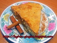 Μηλόπιτα κλασική Grandmas Apple Pie, Cookie Dough Pie, Apple Desserts, Something Sweet, Mediterranean Recipes, Cornbread, Sweet Recipes, Sweet Treats, Favorite Recipes
