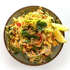 Phad Thai, Pasta Salad, Cabbage, Chicken, Dinner, Vegetables, Ethnic Recipes, Food, Indian