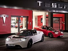 Tesla's future is still in doubt, some analysts say. Tesla Motors, My Dream Car, Dream Cars, Tesla Car Models, Tesla Roadster Sport, Best Electric Car, Electric Cars, Automobile, Motorcycle Wallpaper