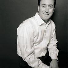Alberto Vidal.